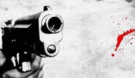 নোয়াখালী বন্দুকযুদ্ধে এক ব্যক্তি নিহত ও তিন পুলিশ আহত