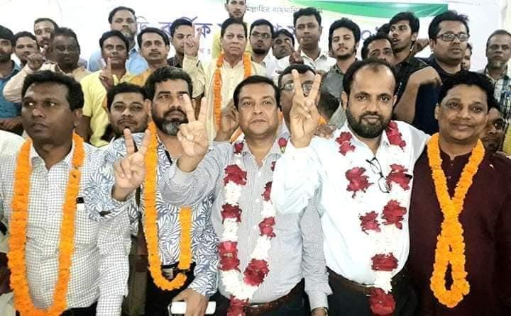 ঢাকা সাংবাদিক ইউনিয়নের (ডিইউজে) (২য় পর্ব)  দ্বি-বার্ষিক নির্বাচনে পূর্ণ প্যানেলে বিজয়ী হয়েছে গনি-শহিদ পরিষদ