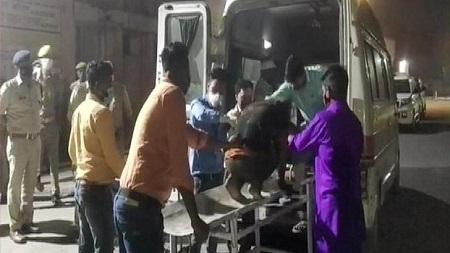 ভারতের উত্তরপ্রদেশে সড়ক দুর্ঘটনায় সাতজন নিহত