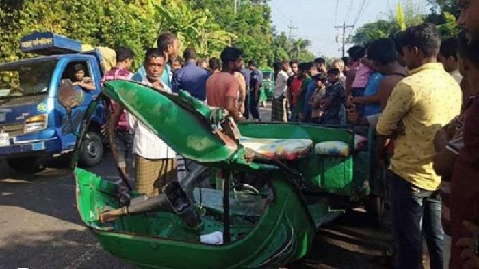 শেরপুরে ট্রাকের ধাক্কায় চার অটোরিকশাযাত্রী নিহত